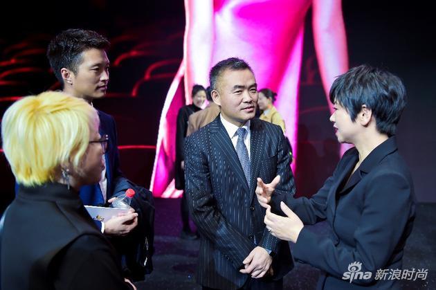 云尚产发领导、洪恩珠会长与中国服装设计师协主席张庆辉现场交流