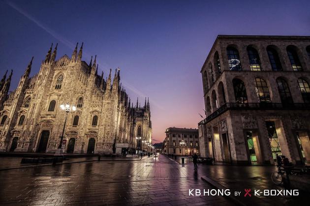 二十世纪博物馆位于米兰市中心,毗邻米兰大教堂