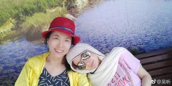 吴昕和妈妈