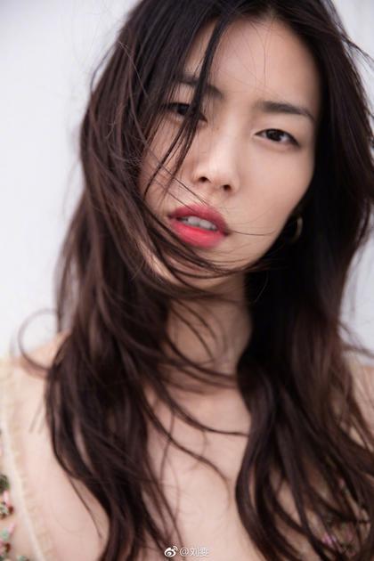 刘雯 长发