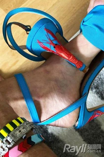 个性鞋跟街拍