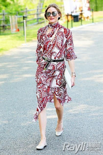 印花类连衣裙