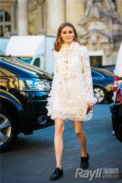 名媛穿蕾丝连衣裙街拍