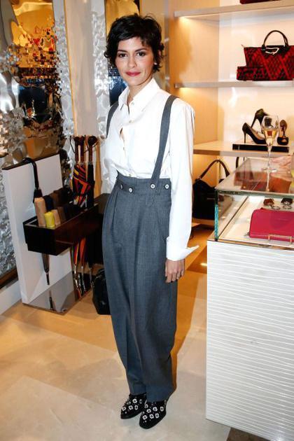 Audrey Toutau穿背带裤