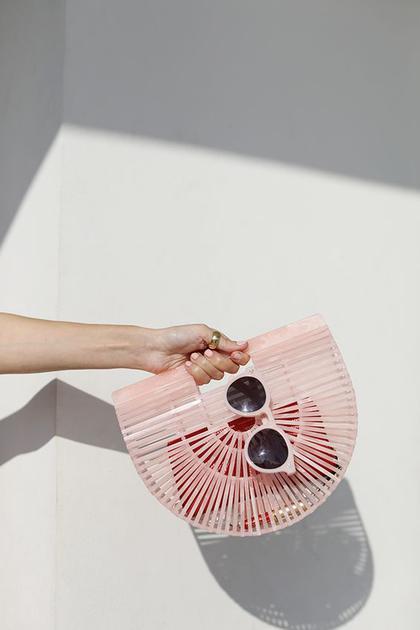粉色cult gaia包包