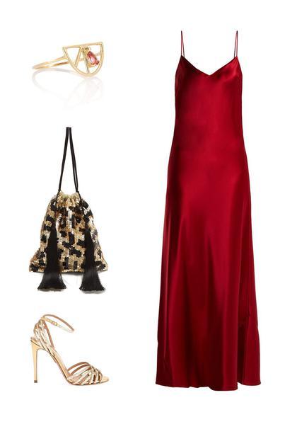 Galvan缎面礼服 ; Aquazzura高跟鞋 ; Attico豹纹亮片手袋, ; Aliita戒指