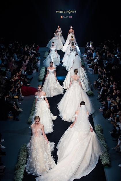 国内首家共享婚纱礼服平台WhiteHoney亮相时装周