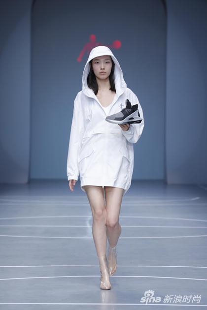 运动鞋铜奖-13号-张珂