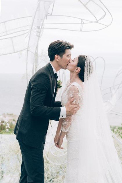贾静雯与修杰楷在巴厘岛举办婚礼