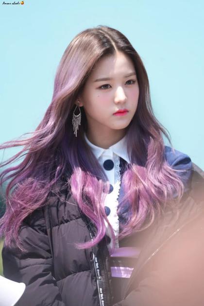 褪成了浅紫、粉紫