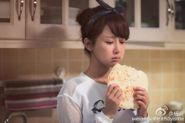 """杨紫也有""""宵夜后遗症""""怎样能放心吃不损害肌肤?"""