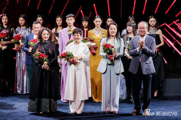心如花木向阳而生 中国国际时装周(2019春夏系列)闭幕