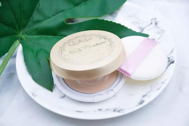高丝药妆Nudy Couture矿物质气垫CC霜 96元:79g