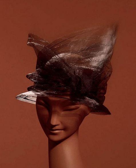 Stephen Jones设计的面纱帽子2