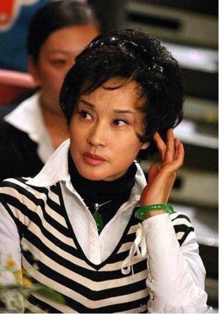 刘晓庆佩戴的翡翠价值超3300万