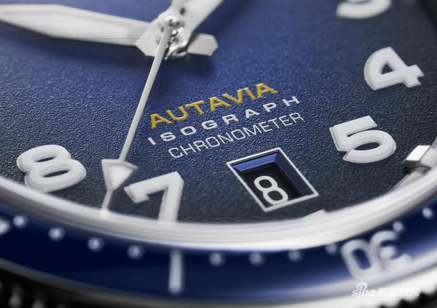 泰格豪雅Autavia系列腕表表盘