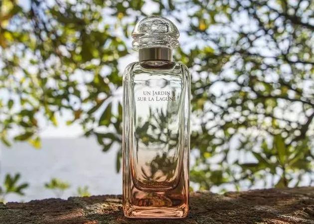 爱马仕今年1月新推出的香水Un Jardin Sur La Lagune