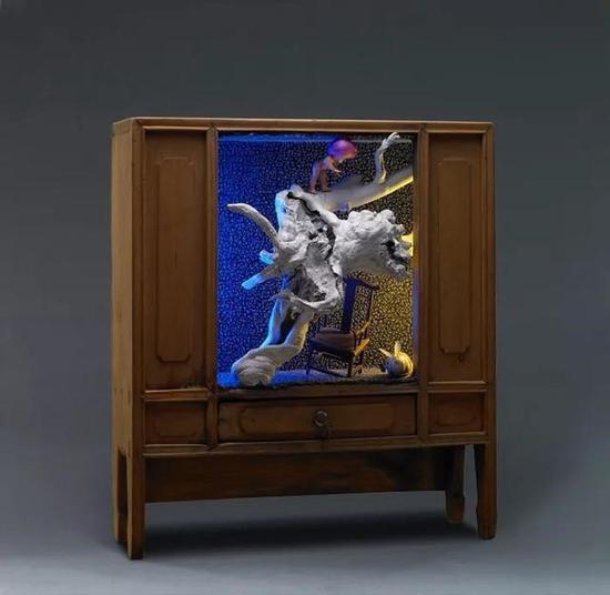 大兔的秘洞 The CSecret Hole of the big Rabbit 60 x 68 x 36 cm 2012
