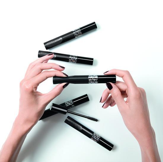 Dior迪奥打造全新眼部彩妆臻品 Diorshow产品系列