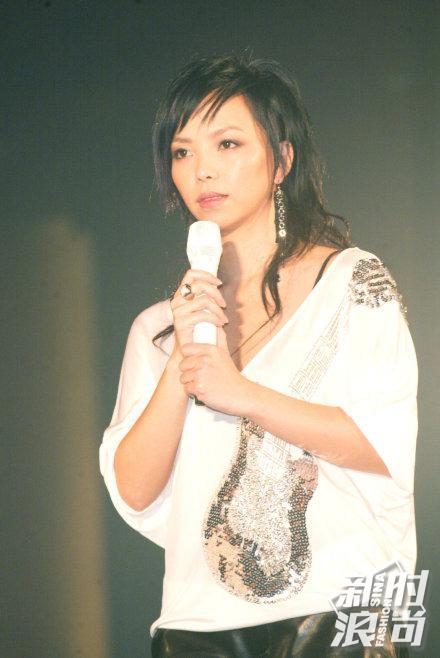 2004年的张惠妹