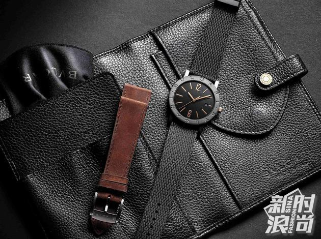 宝格丽全新BVLGARI BVLGARI系列男士腕表提供可随心更换表带和随身收纳袋