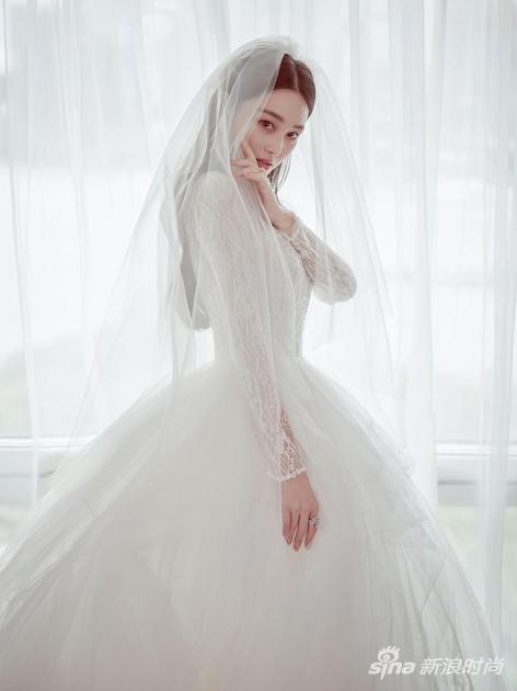 张馨予低调大婚 身着WeCouture高级订制婚纱幸福溢于言表