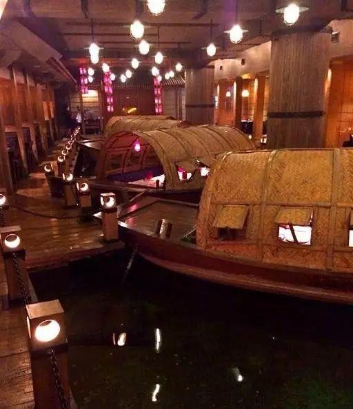 老船坞:伴舟而食