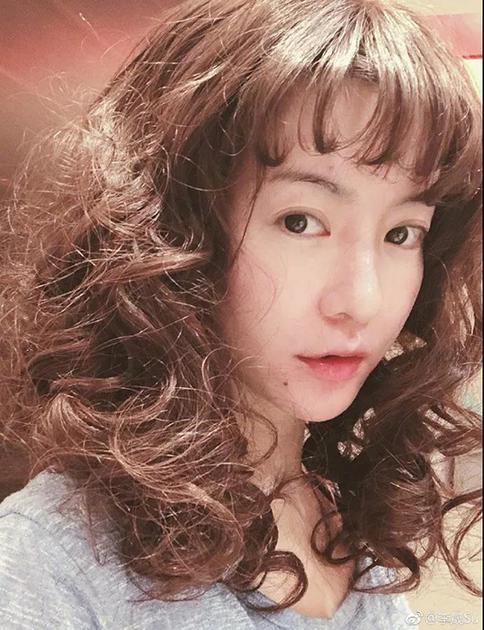 李晟 叠涂咬唇妆