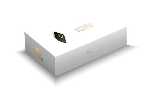 包装内含SIM卡储存卡槽钥匙链及产品使用手册