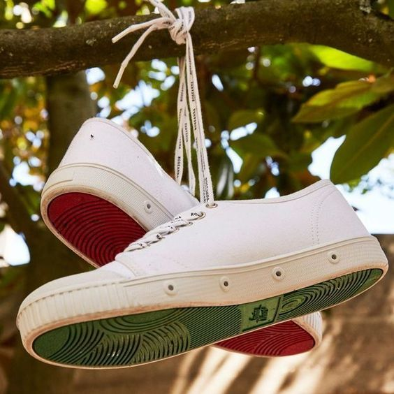 Spring Court帆布鞋