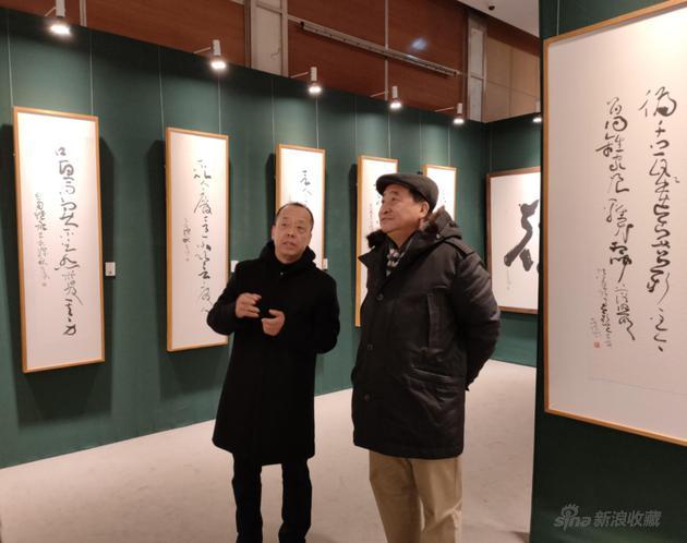 姜昆先生参观寇克让老师展