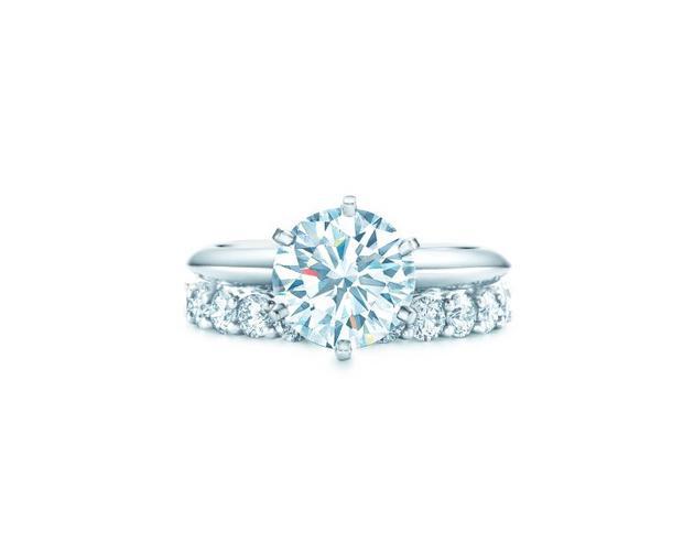 The Tiffany Setting蒂芙尼六爪镶嵌钻戒、Tiffany Embrace™系列铂金镶钻戒指
