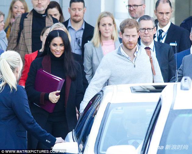 10月14日抵达悉尼的哈里和梅根