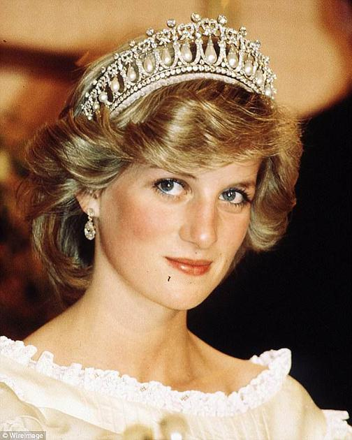 """""""剑桥情人结王冠""""是戴安娜最爱的王冠之一"""