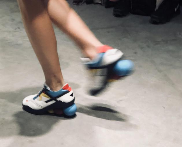 增高运动鞋