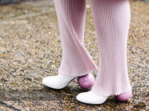 粉色系个性鞋跟