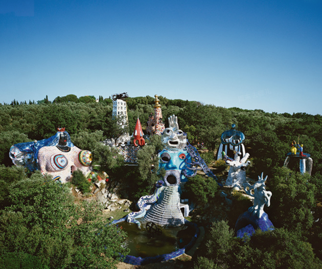 妮基·圣法勒的塔罗花园(Tarot Garden)全景