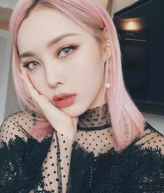 浅粉紫色头发