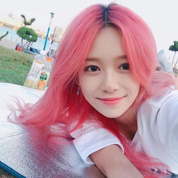 亮红色头发