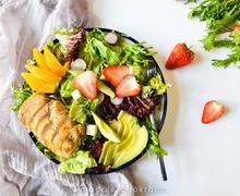 用草莓做料理 春天的美意