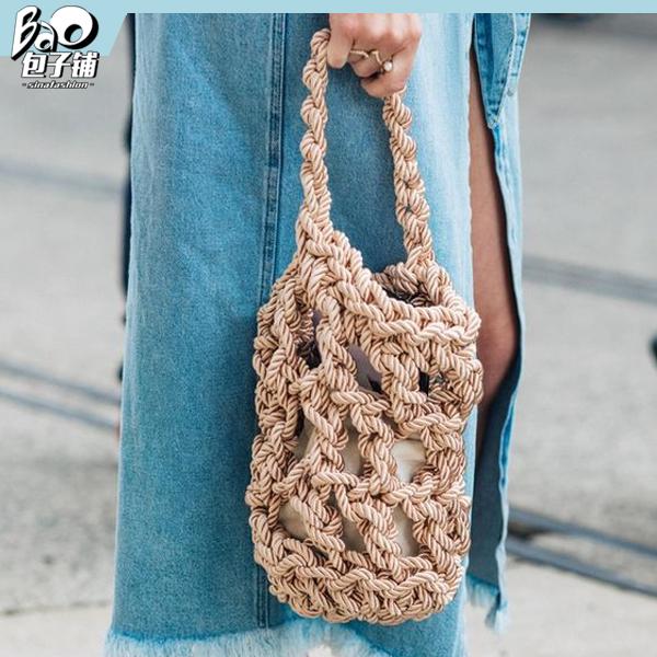街拍中的编织包