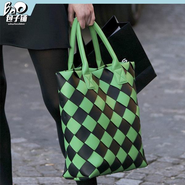 绿色撞色包包