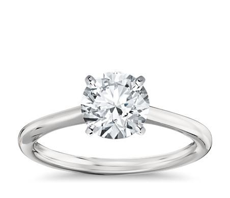 小巧单石订婚戒指,铂金