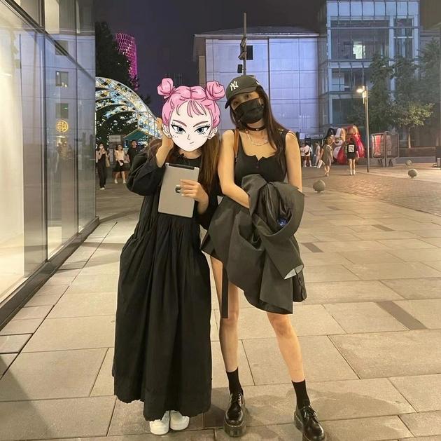 全世界都想偶遇杨幂,我只关心她的平价穿搭!