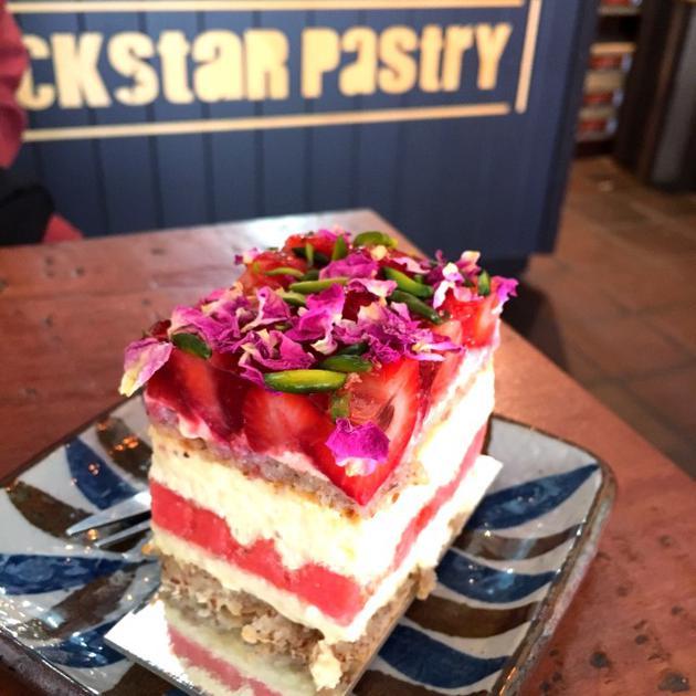 西瓜草莓蛋糕