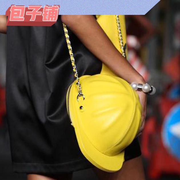 Moschino安全帽包包