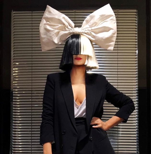 法国品牌Repetto与歌手Sia推出全新胶囊系列