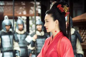 王丽坤的妲己寡淡如水 化妆师学学别人的眼妆吧