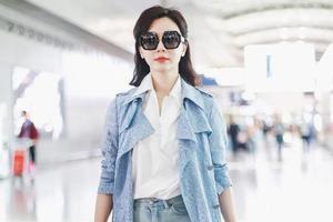 陈数袁泉俞飞鸿告诉你 女人过了35岁如何穿更美
