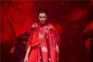 吴亦凡北京演唱会造型帅炸 新单《大碗宽面》现场首唱